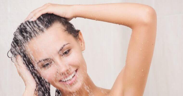 Czy szampon na łupież pstry pomoże?