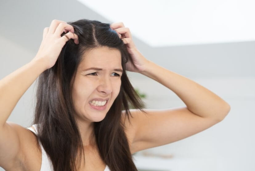 Łupież pstry a wypadanie włosów – jak sobie poradzić?